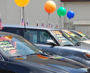 Used cars balloons
